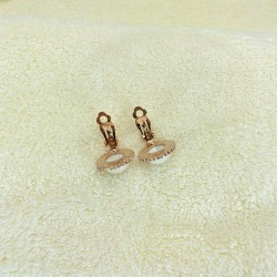 Pearl ear-rings