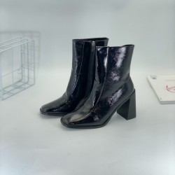 Women's shoes and boots